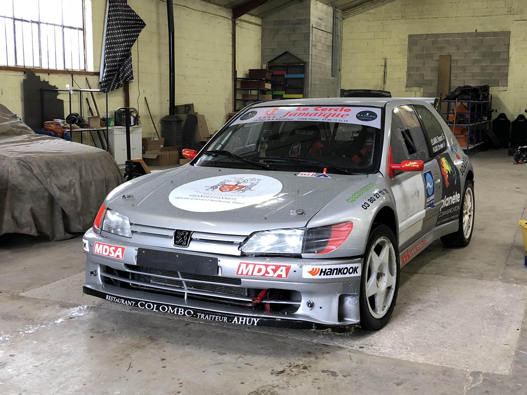 Photo d'une Peugeot 306 Maxi